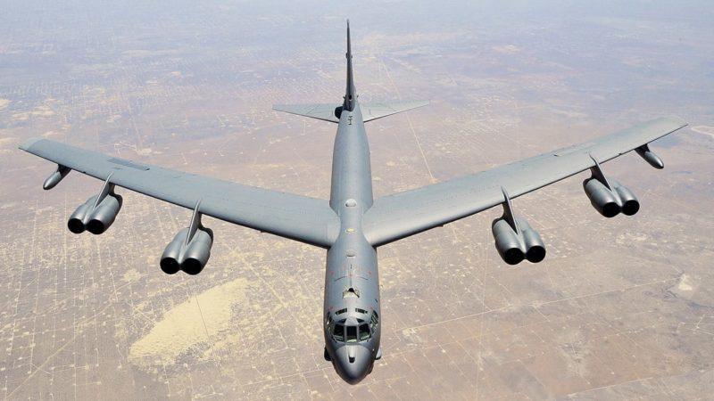 I B-52 e Cleone il conciapelli