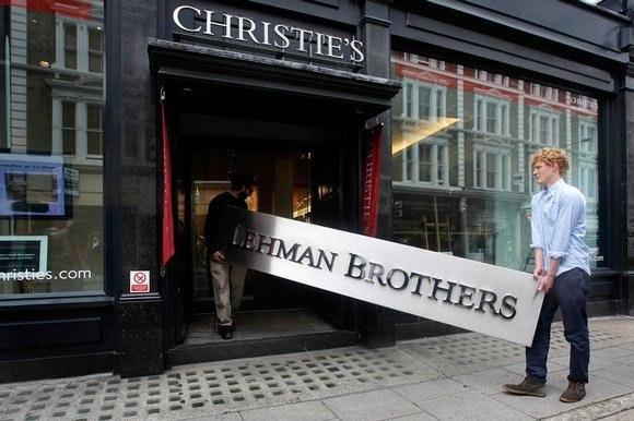 Le cause della crisi delle società aperte