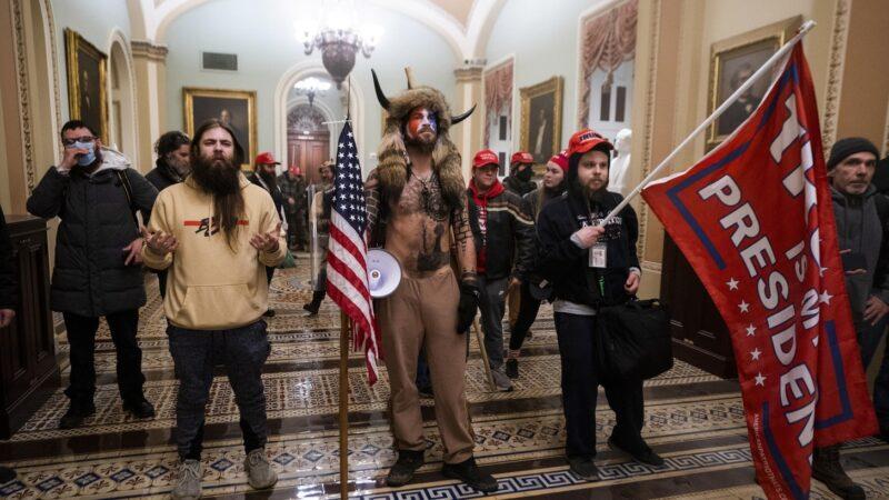 La folla al governo